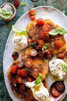 Basil Chicken Saltimbocca with Marinated Tomatoes and Burrata. Basil Chicken Saltimbocca with Marina Summer Chicken Recipes, Summer Recipes, Italian Chicken Dishes, Prosciutto Wrapped Chicken, Marinated Tomatoes, Marinated Vegetables, Cooking Recipes, Healthy Recipes, Cooking Tips