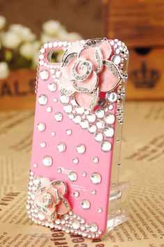 Gullei Trustmart : iPhone 4th Generation Flower Crystals Cover [GTM00537] - $31.00