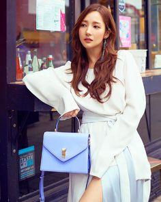 Women S Fashion Trivia Questions Korean Actresses, Asian Actors, Korean Actors, Park Min Young, Young Fashion, Asian Fashion, Korean Celebrities, Celebs, Man Lee