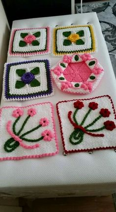 Crochet Motif, Crochet Projects, Flowers, Stuff To Buy, Craft, Trapper Keeper, Cases, Tricot, Royal Icing Flowers