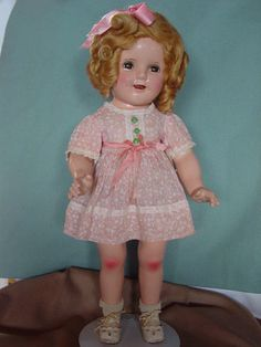IDEAL-USED-COMPOSITION-SHIRLEY-TEMPLE-DOLL-IN-SUPER-RARE-TAGGED-LEAF-DRESS
