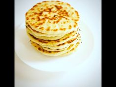 Cheese naan / Naan au fromage au Thermomix - YouTube Cheese, Pains, Make It Yourself, Breakfast, Sauces, Youtube, Food, Bakery Business, Kitchens