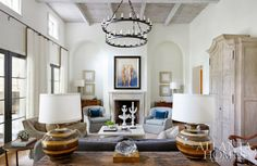Neutral Living room via Mix and Chic from Atlanta Homes. #laylagrayce #living