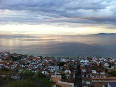 Les films de John Huston, les promenades de bord de mer, les vieilles ruelles dans les hauteurs... Autant d'attraits qui font de Puerto Vallarta l'une des stations balnéaires les plus courues du Mexique.