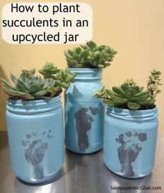 Sandpaper and glue Mason Jar Succulents, Succulents Diy, Succulent Plants, Mason Jar Diy, Mason Jar Crafts, Peanut Butter Jar, Mother's Day Projects, Craft Projects, Mason Jar Projects