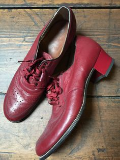 1930s women shoes, red leather, nos door Tonupgirl op Etsy