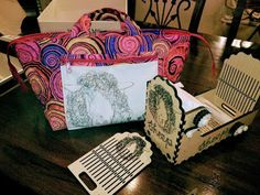 She's just a girl who creates...: Some box loom designs from Handywoman