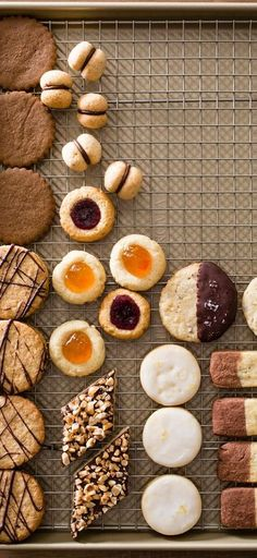 Make-Ahead Cookies. Get ahead of the holiday rush and start baking some cookies this weekend! We've outlined methods that will allow you to prep a batch of dough, store it, and bake smaller batches of cookies as you need them.