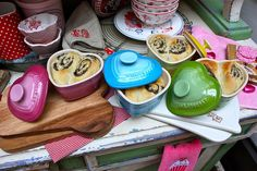 le creuset heart dishes