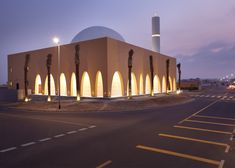 Ibda Design uses sandstone and marble for mosque in Dubai