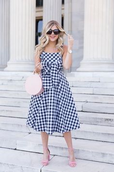 Gingham Bow Dress: c/o Chicwish {Wearing a Small} Curvy Girl Outfits, Mom Outfits, Classy Outfits, Dress With Bow, I Dress, Girl Meets Glam, Vestido Casual, Short Dresses, Summer Dresses