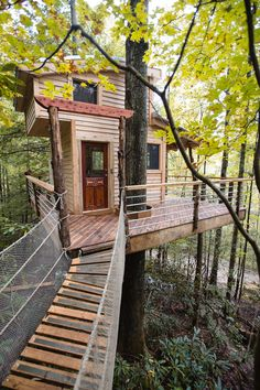 The Canopy Crew wants to get you into the canopy by sharing our Red River Gorge tree houses with you.