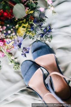Wedding shoes ideas - open toe, sandal, heels, something blue, summer {Alexandra Cantemir Photography}