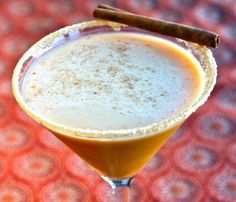 What's better than a pumpkin spice latte? A pumpkintini, of course! Click through for the recipe.