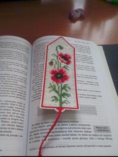 zakładka do książki na kanwie plastikowej