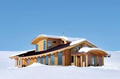 This sustainably-built, straw balesport ranch brings an Olympian snowboarder peace.