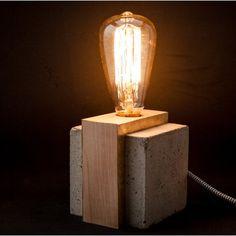 Lámpara de sobremesa industrial de cemento y plata Euna Designs
