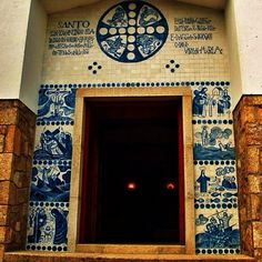 Fermosa fachada da capela de San Xaquín na Illa de Ons #bueu #morrazo #viveomorrazo #rainbow_wall #rinconesgallegos #galicia #galiciagrafias #aworldofwonder #fabearth #ig_artistry #pontevedra #phototag_ig #phototag_it #riasbaixas #rainbow_wall #welcometog