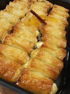 Τζεβρεμέδες,άλλο ένα τυρένιο γλυκό του τόπου μου! Στη διάθεση σας! Φτιάξτε τους και απολαύστε τους! Δοκιμέστε τους είναι εύκολοι!!! Greek Sweets, Greek Desserts, Greek Recipes, Sweets Recipes, Cooking Recipes, The Kitchen Food Network, Eat Greek, Greek Cooking, Anna