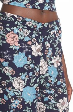 Free shipping and returns on Leith Floral Print Wide Leg Pants at Nordstrom.com. Illustrations of pretty floral blooms pattern retro-inspired pants cut with a high waist and airy wide legs.
