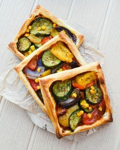 An Easy Mediterranean Tart that will feed a family of four for less than £7 (with wedges and mini corn on the cobs too). It's so simple to make and tastes delicious. The whole family will love this vegan friendly dinner.