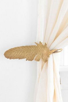 Magical Thinking Feather Curtain Tie-Back - Urban Outfitters