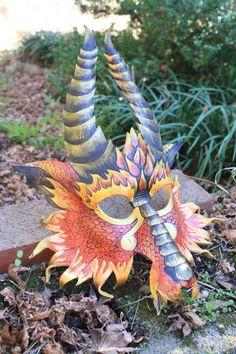 Grand feu Dragon masque de cuir sur mesure par SilverCicadaDesigns sur Etsy https://www.etsy.com/fr/listing/175940890/grand-feu-dragon-masque-de-cuir-sur