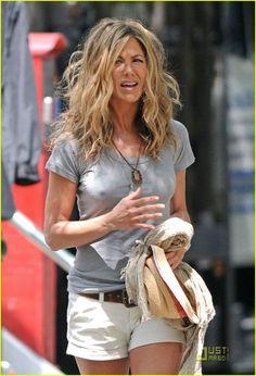Jennifer Aniston is Perky Pretty