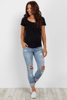 This beauty of a jean is perfect for your casual day this season. A light wash with chic distressed details give this jean a multi-faceted look. Style with your favorite maternity top and sandals for a complete look. Source by casual Maternity Jeans, Maternity Tops, Maternity Fashion, Summer Maternity, Pregnancy Fashion, Pregnancy Outfits, Maternity Style, Mode Outfits, Fashion Outfits