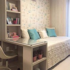 Brilliant small bedroom design storage organization ideas - Decor Home Home Bedroom, Bedroom Furniture, Bedroom Decor, Bedroom Ideas, Master Bedroom, Bedroom Boys, Bedroom Simple, Trendy Bedroom, Small Bedroom Office