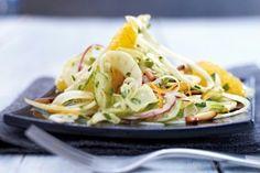 Das Rezept für Orangen-Fenchel-Salat  mit Honig-Senf-Vinaigrette und weitere kostenlose Rezepte auf LECKER.de