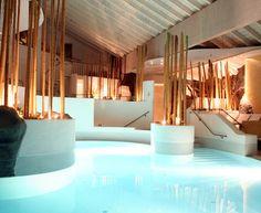 Der Wellness und Spa Bereich des Resort Die Wutzschleife in der Oberpfalz hat alles, was man für den perfekten Wellnessurlaub braucht. Die wunderschöne Anlage lädt zu Entspannung und Erholung ein. Überzeuge dich selbst: https://www.travelcircus.de/resort-hotel-die-wutzschleife-oberpfalz #wellness #pool #wellnesshotel