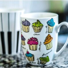 Cute cupcakes to make you smile as you drink your morning coffee?? Yes, please! :)