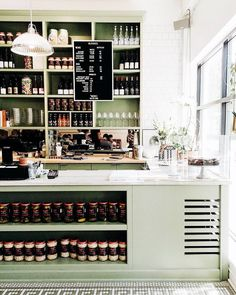 A Definitive Guide to the Best of Montréal—Just in Time for Summer   MyDomaine