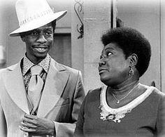 Jimmie JJ Walker an Esther Roller 70s Tv Shows, Great Tv Shows, Classic Movie Stars, Classic Tv, Jj Walker, Good Times Tv Show, Ralph Carter, Famous Black People, Vintage Black Glamour