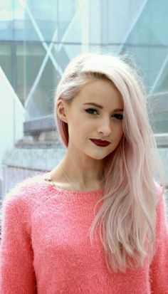 ♥pale blonde hair with a touch of pink♥