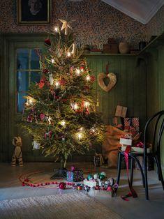 All I Want For Christmas, Christmas Post, Christmas Pictures, Christmas And New Year, Christmas Holidays, Christmas Decorations, Holiday Decor, Crate And Barrel, Table Style Scandinave