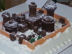 Winterfell Cake - From Game of Thrones #recipe #HBO #replica #model