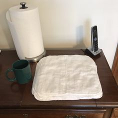 Instead of paper towels, use cloth. Birdseye 2 layer kitchen cloths. Preemie Diapers, Cotton Diapers, Paper Towels, White Cotton, Cloths, Kitchen Ideas, Alternative, Simple, Easy