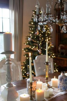 Christmas in the dining room I Finding Silver Pennies