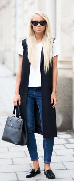 long sleeve sweater tunic. white tee. black zipper shoes