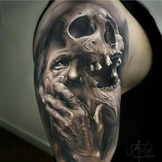 Incredible morphing by the crazy Arlo Tattoos from USA !