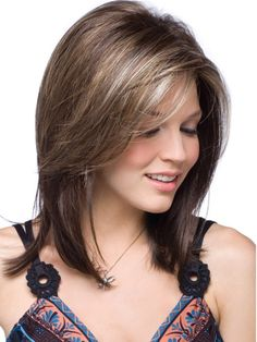Medium layered haircuts with bangs 2017 Layered Haircuts With Bangs, Round Face Haircuts, Hairstyles For Round Faces, Hairstyles With Bangs, Layered Hairstyles, Gorgeous Hairstyles, Latest Hairstyles, Japanese Hairstyles, Bangs Hairstyle