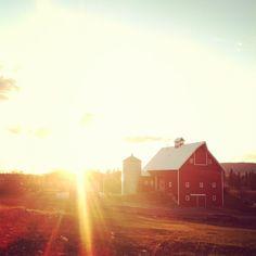 I love red barns.