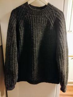 Enkel Herregenser i Nepal. Men Sweater, Sweaters, Fashion, Moda, Fashion Styles, Men's Knits, Sweater, Fashion Illustrations, Sweatshirts
