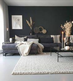 Een zwarte muur in huis met een prachtige betonlook   Huizedop