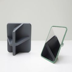 Oscar Diaz Designs Mirror That Can Be Positioned At Four Different Angles - http://decor10blog.com/decorating-ideas/oscar-diaz-designs-mirror-that-can-be-positioned-at-four-different-angles.html
