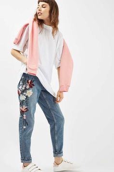 Invest in a fail-safe basic to keep you comfortable and stylish when dressing casually. This oversized t-shirt tunic comes in a basic white and is cut in a relaxed boyfriend fit. #Topshop