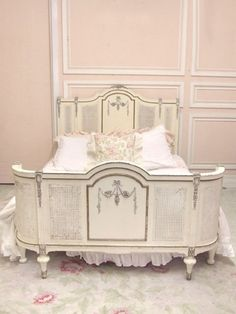 The French Maid's Place: A Beautiful Boudoir! Center curved piece could be added to Full sized bed to grow it to a Queen. Rose House, French Bed, Interior Design Advice, Shabby Chic Bedrooms, Queen, French Decor, My Room, Girls Bedroom, Toddler Bed