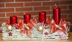 Fotogalerie: Vánoční věnec na dveře Christmas Time, Christmas Wreaths, Xmas Decorations, Pillar Candles, Floor Lamp, Advent Calendar, Candle Holders, Arts And Crafts, Holiday Decor